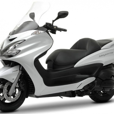 Yamaha Majesty YP 400  | Blafer Motos - Alquiler de motos en Madrid